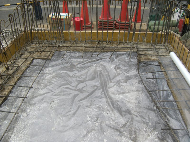 20140617_防湿シート敷き込み